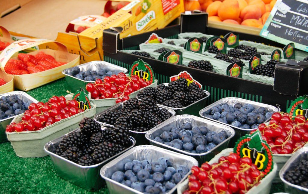 Where to Buy for Groceries in Paris Specialty food store