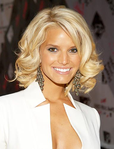 The 10 Best Haircuts Of The Past 10 Years Jessica Simpson Hair Medium Length Hair Styles Platinum Blonde Hair