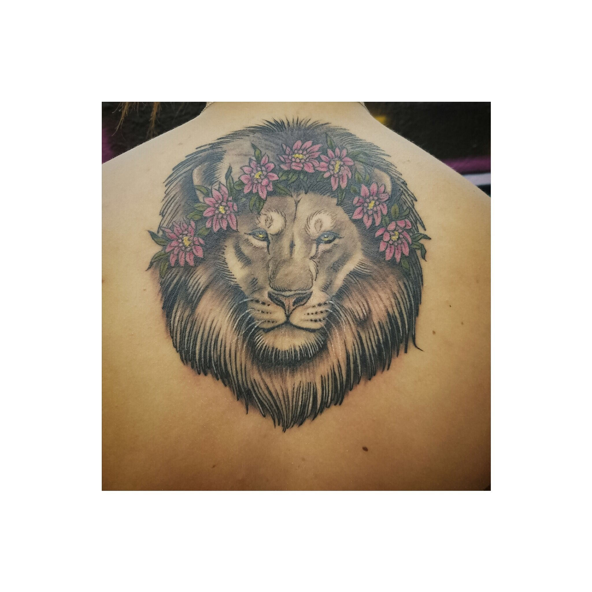 Lion Tattoo With Flower Crown Lion Tattoo Flowercrown Liontattoo Tattoos Lion Tattoo Back Tattoo