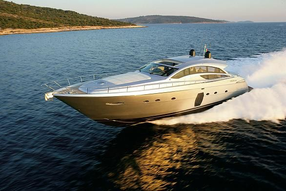 2014 luxury yachts | Pershing e Ferretti Yachts protagonisti in Asia