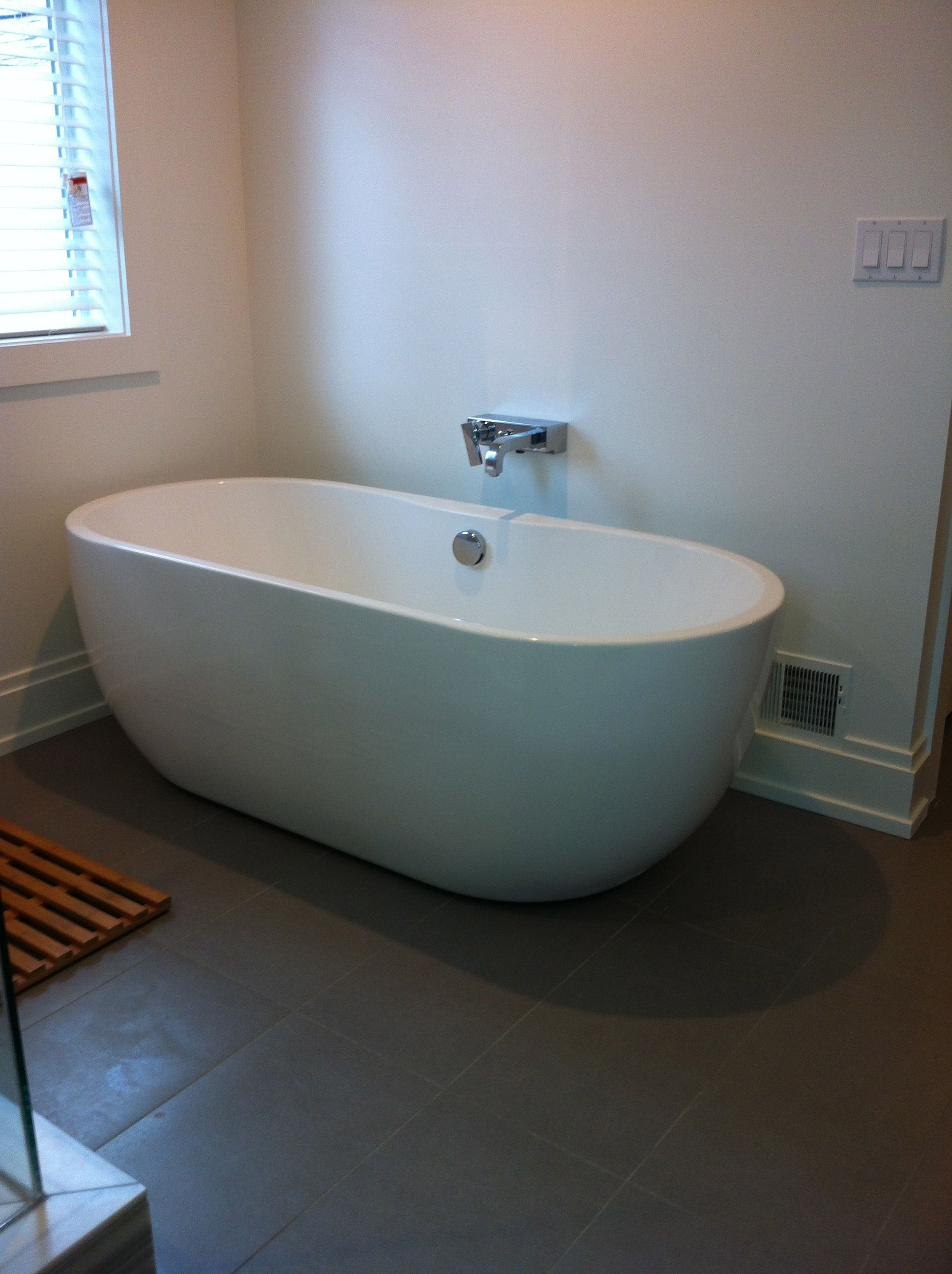 free standing tub, wall mount faucet | For the house | Pinterest ...