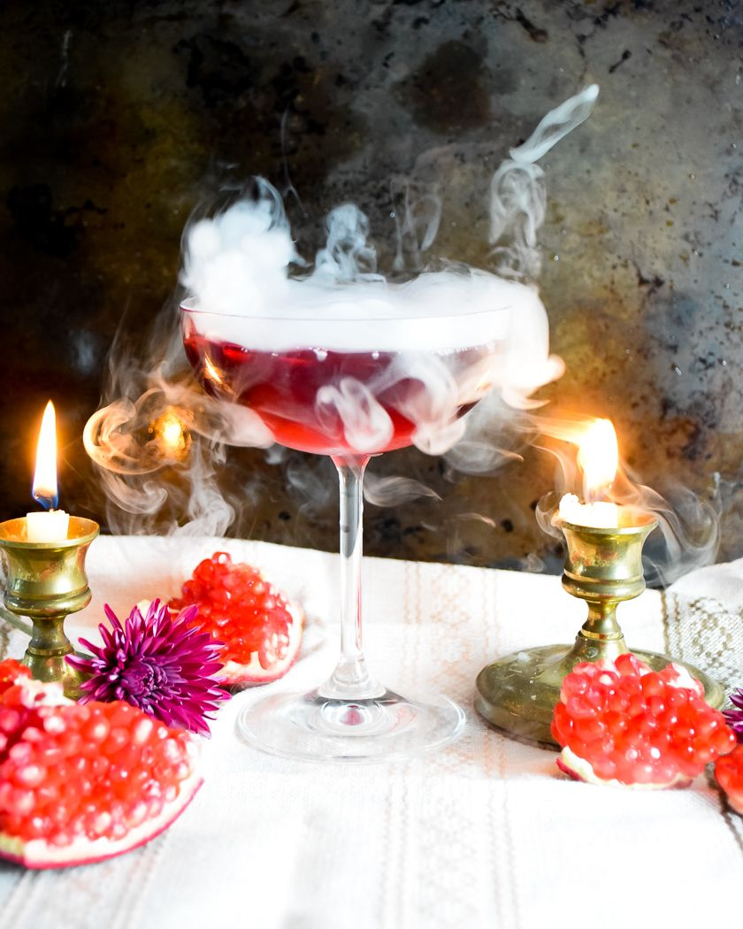 How To Use Dry Ice In Cocktails I Am Walking You Through Everything You Need To Know About How To Use Dry Ice In Coc In 2020 Dry Ice Cocktails