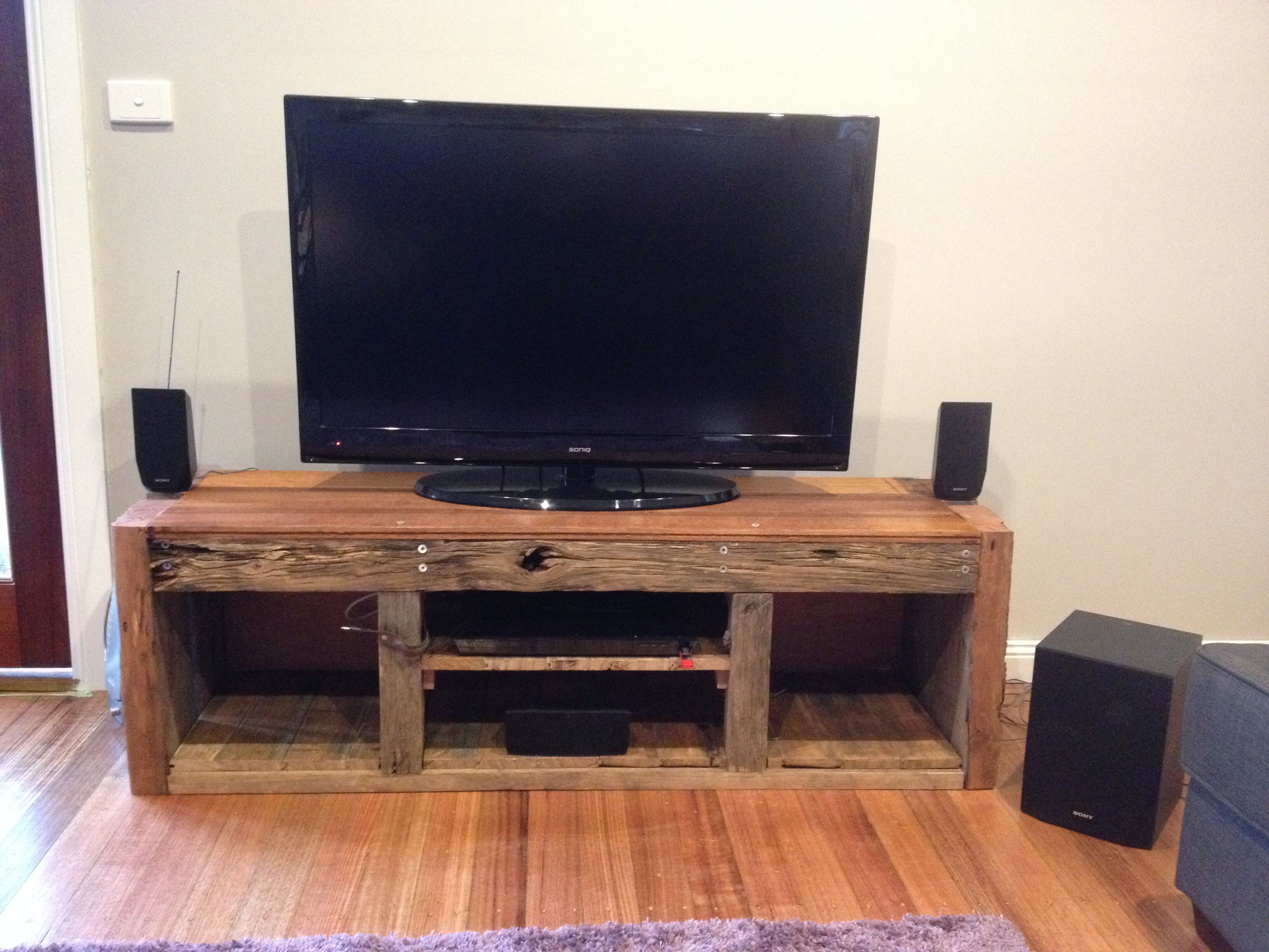 TV Cabinet from recycled timber - cheap and stylish :) | Lounge ...
