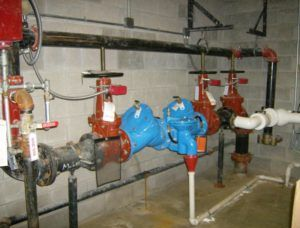 Call 412 301 7284 For Backflow Preventer Installation Service In Pittsburgh To Keep Your Water Supply From Becomi Clean Water Supply Installation Plumbing