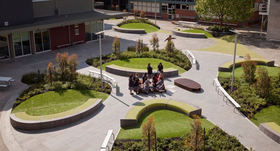 Central courtyard landscape architecture design for Landscaping a courtyard pictures