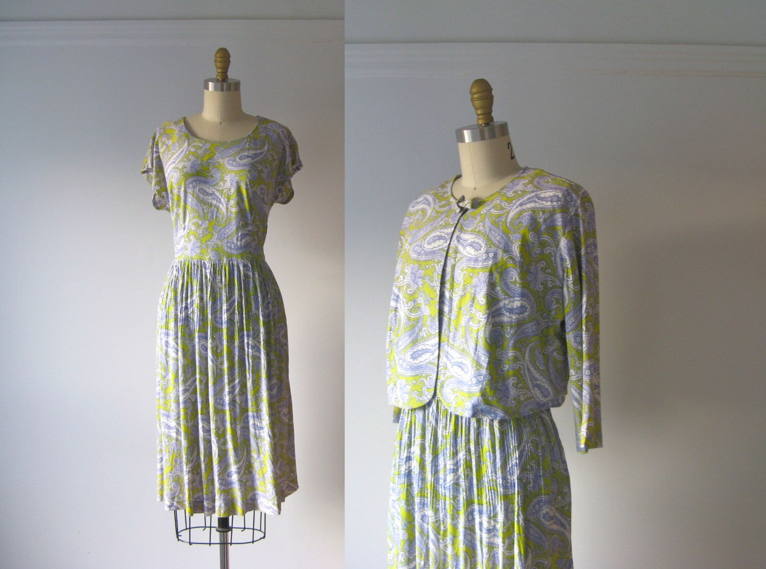 SALE vintage 1960s dress / 60s dress / Paisley Pastel by Dronning on Etsy https://www.etsy.com/listing/181166437/sale-vintage-1960s-dress-60s-dress