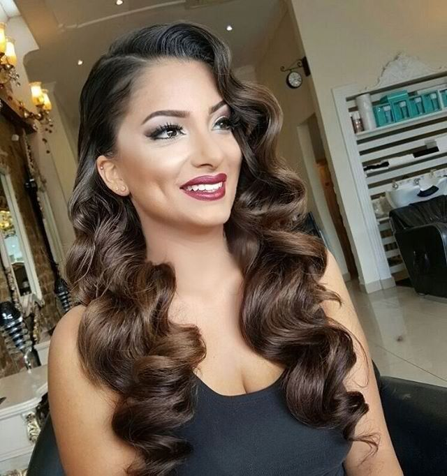 Classical Makeup Look For Prom Night Prom Hairstyles For Long Hair Vintage Hairstyles Vintage Wedding Hair