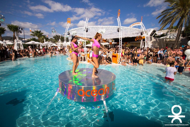 L'Ocean Beach est célèbre pour l'ambiance folle de ses fêtes nocturnes !