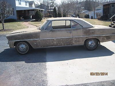 Chevrolet Nova Chevy Ii 1967chevy Ii Nova 2 Dr Hardtop Barn Find Project Car Gasser Http Www Usabarnfinds Com Archiv Barn Finds Chevy Nova Abandoned Cars