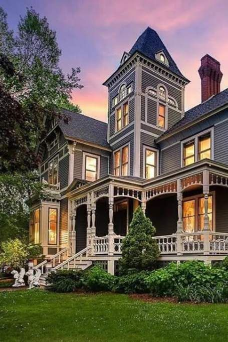 1885 Victorian In Hudson Wisconsin — Captivating Houses