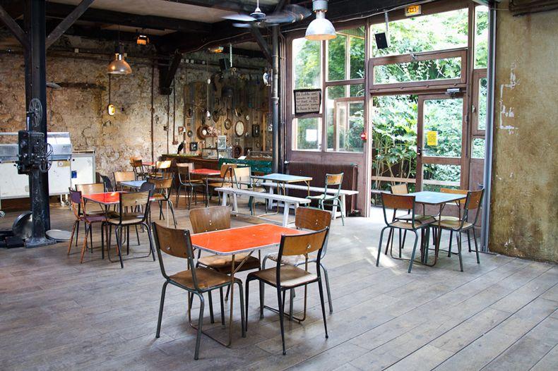 Le Comptoir General Un Espacio Eclectico En Paris Interiores De Tienda Interiores Del Restaurante Cocina Cafe