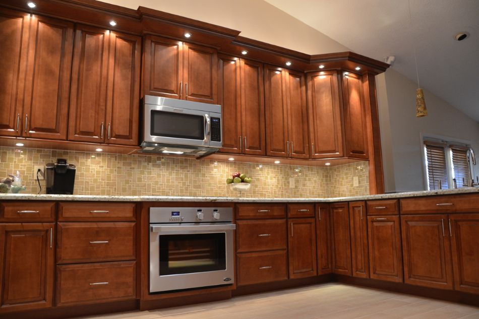 Cinnamon Maple Cabinets Auburn Maple Kitchen Cabinets ...