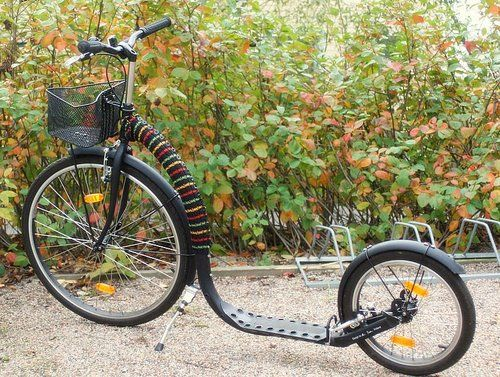 Something soft knitted for my kickbike ;)  Knitting instructions free in Finnish
