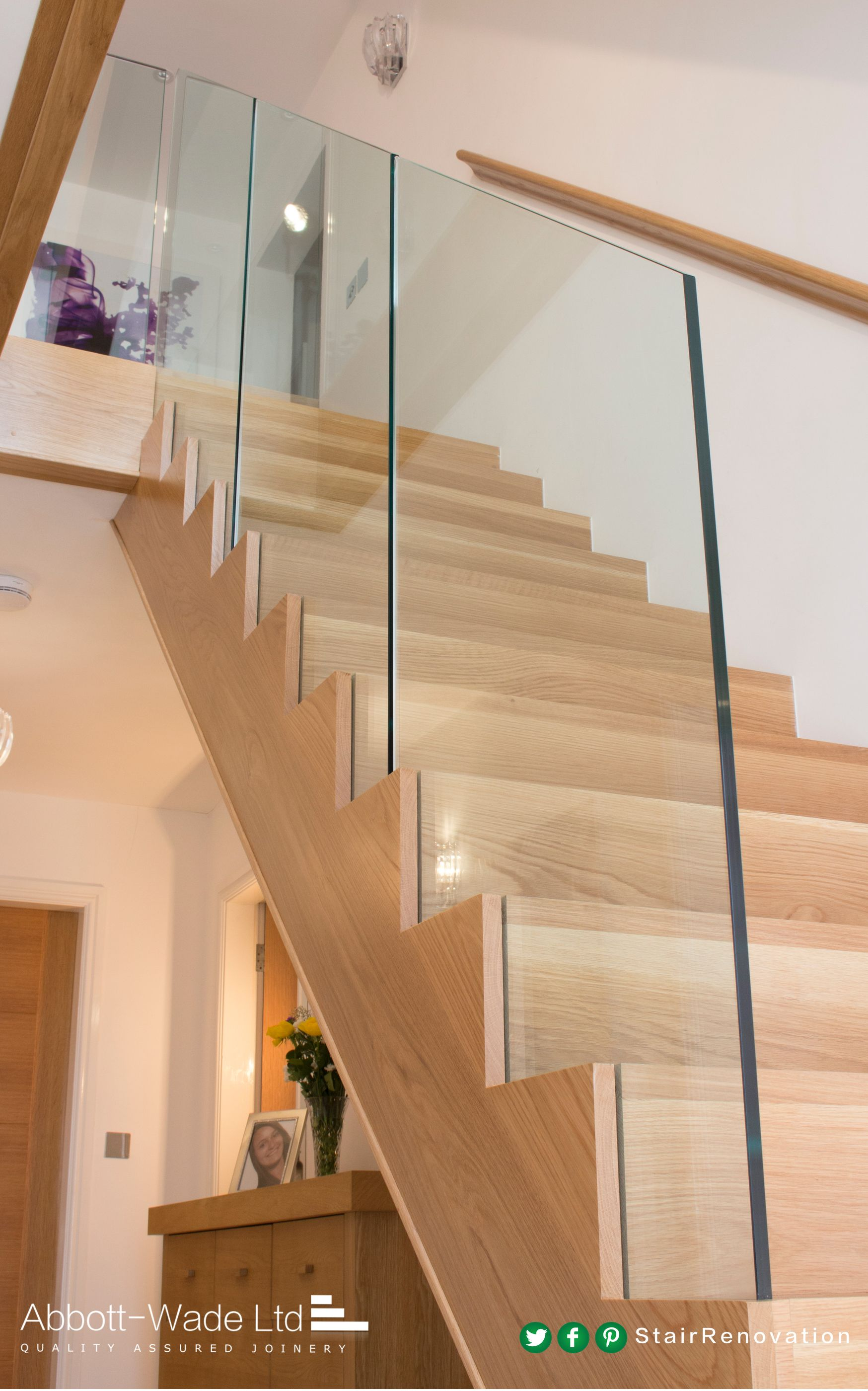Best New Oak Flight With Frameless Glass Balustrade Glass 400 x 300