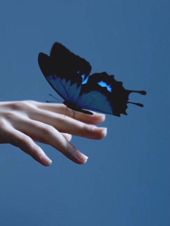 Pin By Ghadir Ali On Hande Blue Aesthetic Blue