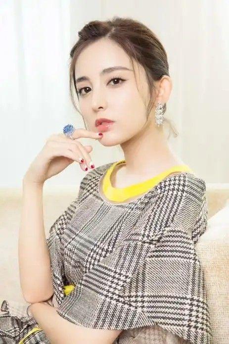 Li Moon Photos