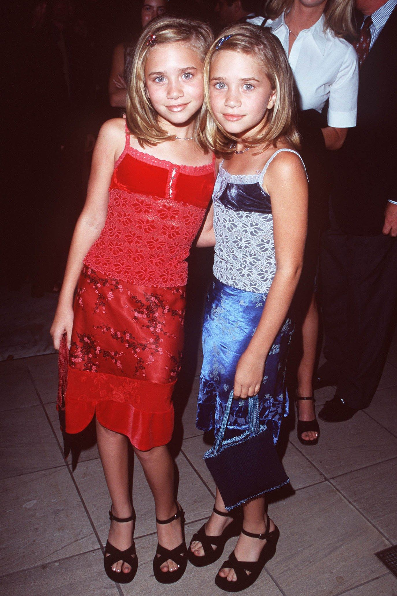 olson twins young Mary-Kate and Ashley Olsen's Best Twinning Beauty Looks Through the Years