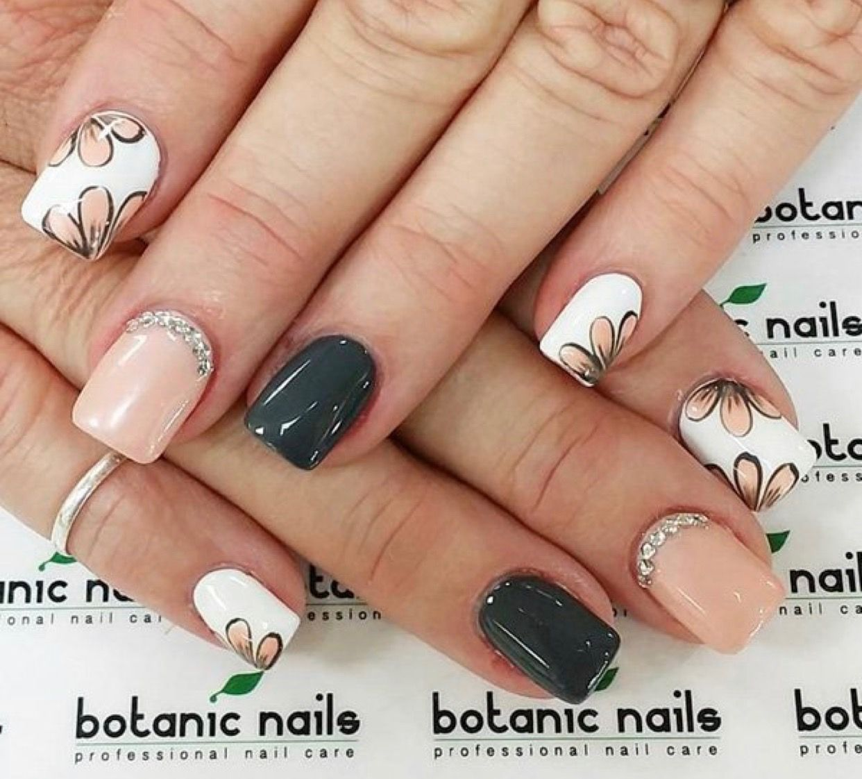 Pin by Leslie Thornton on Nail it! | Pinterest | Makeup