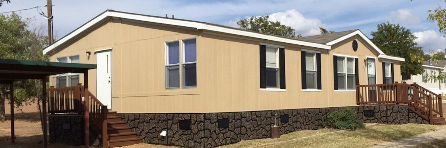 Beautifully reconditioned mobile home for sale at 211