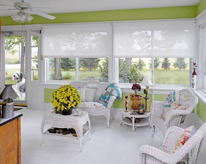 White And Bright Solar Roller Shades In Sunroom Window Coverings Roller Shades Custom Window Coverings