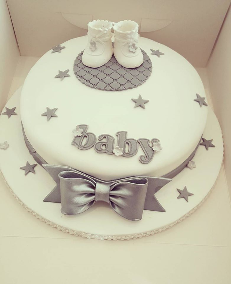 Silver white baby shower cake by kerry marks craft for Baby shower decoration kit