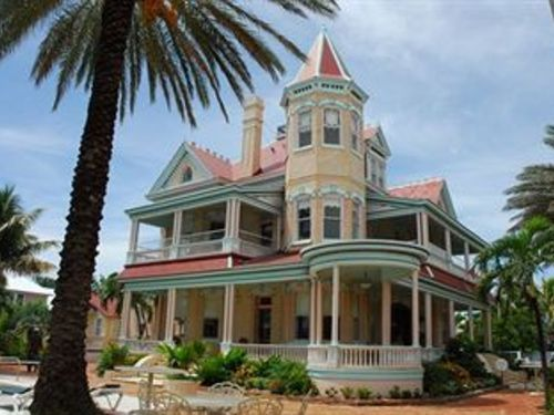 Lots Of History Inside These Walls There S A Bullet Hole In The Sitting Room That Was Meant For Al Ca Southernmost House Southernmost House Key West Key West