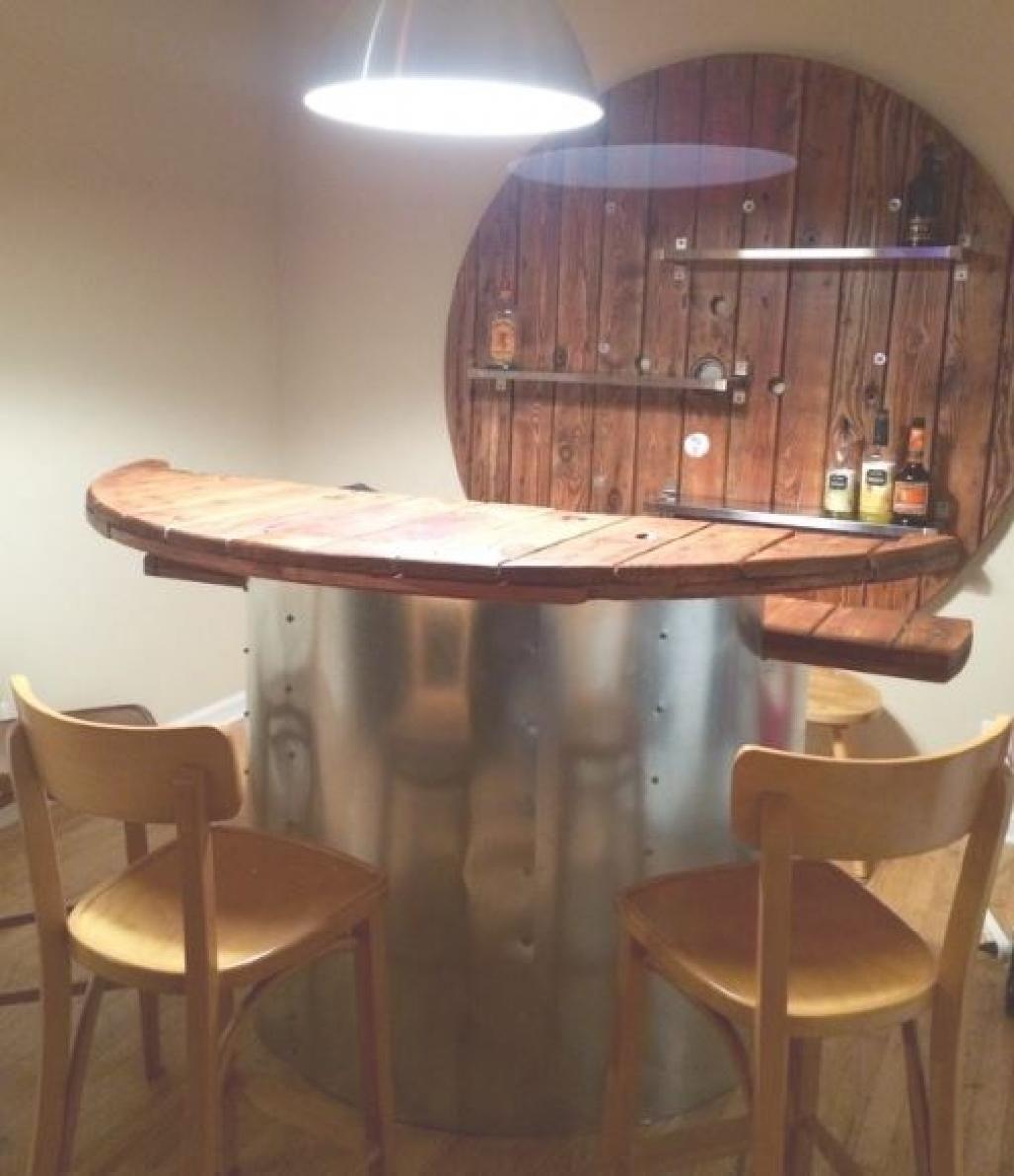 Transformer Un Tonneau En Bar que feriez-vous avec cette grosse bobine? ce gars a eu une