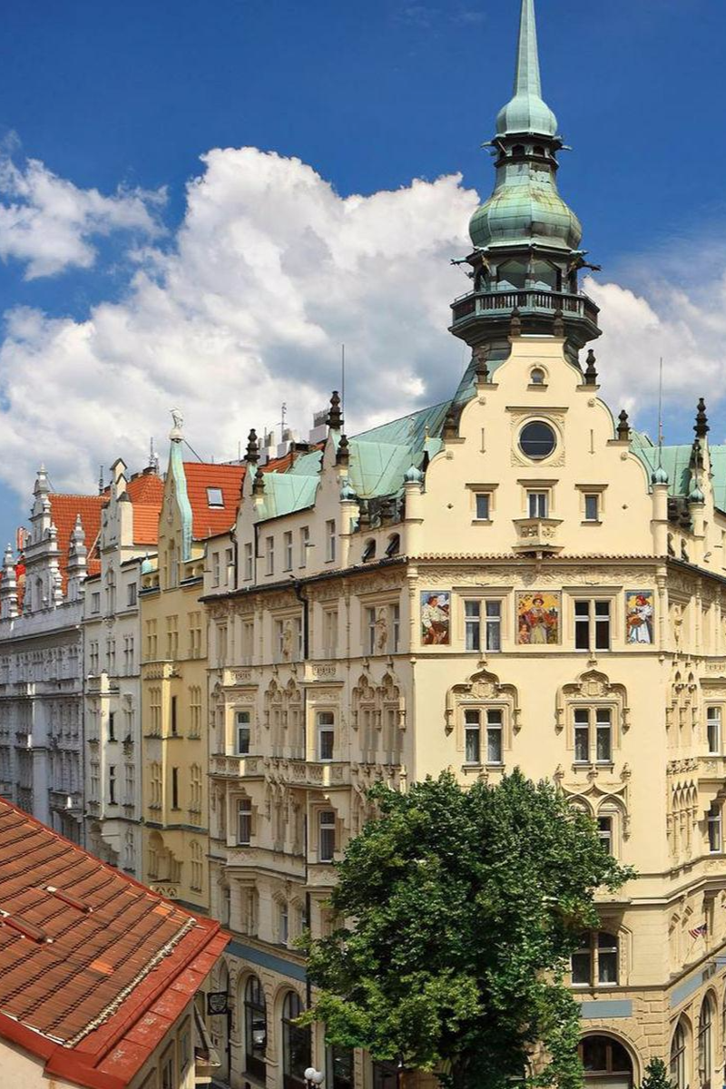 At over 100 years old, Hotel Paris remains one of the most vital icons of Prague. Hotel Paris Prague (Prague, Czech Republic) - Jetsetter