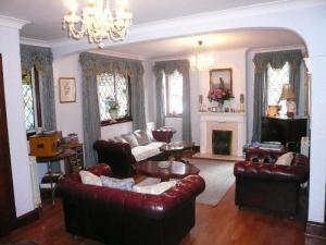 Chesterfield Design Ideas Photos Inspiration Rightmove Home