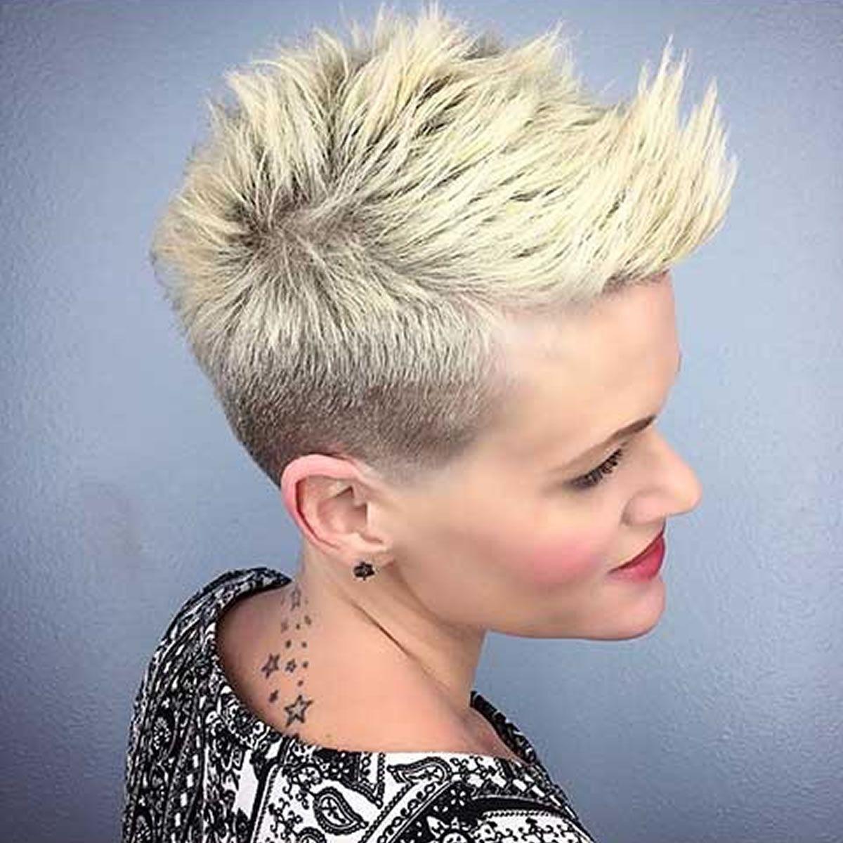 30 Die Coolsten Kurzhaarfrisuren Und Haarfarben Fur Frauen 2018