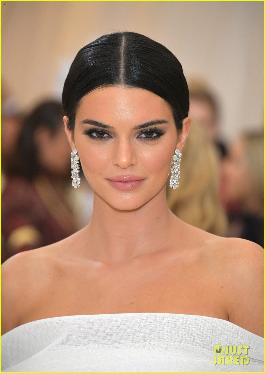 Kendall Jenner. 2018-2019 celebrityes photos leaks! - 2019 year