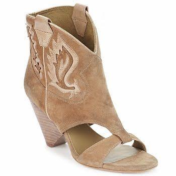 3e1e63deb01530 Chelsea s Style Tips  Cowboy Boot Sandals