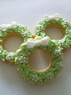 Elegantly beautiful wreath cookies that would also work well for Easter/springtime celebrations.