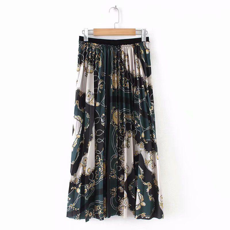 050899482f1b4 European Style Women Chain Printed Pleated Skirt Female Elastic High ...
