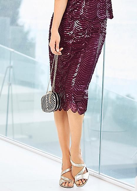 Sequin Embellished Scalloped Edge Pencil Skirt