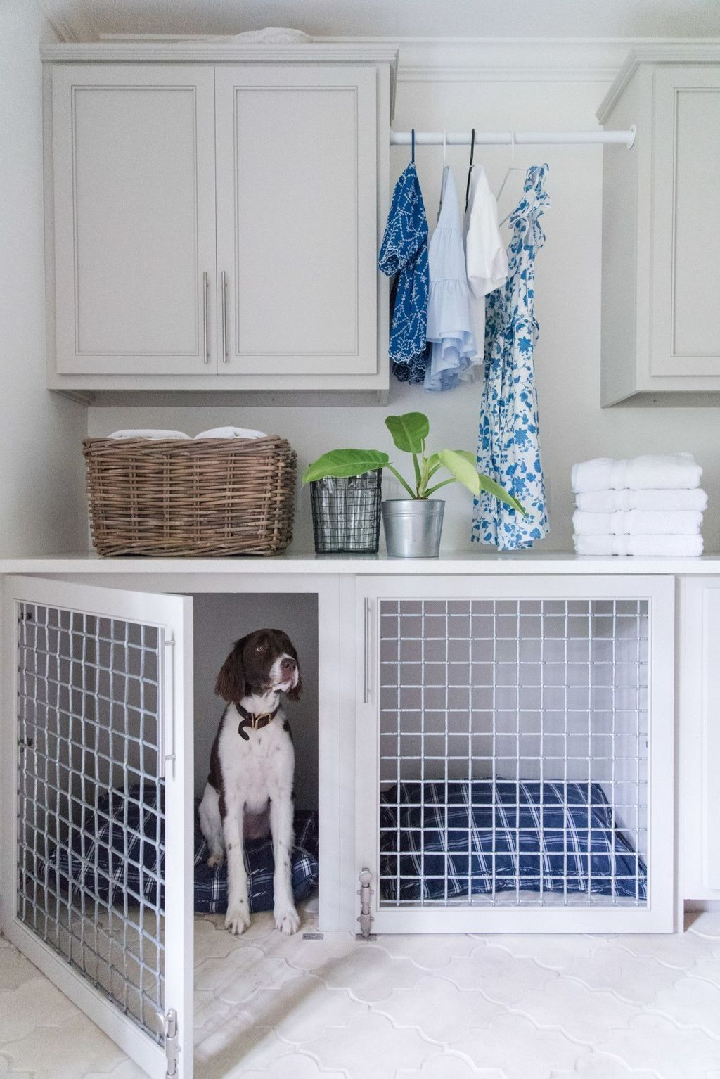 30+ Gorgeous Mudroom Ideas For Laundry Room - TRENDECORA #laundryrooms