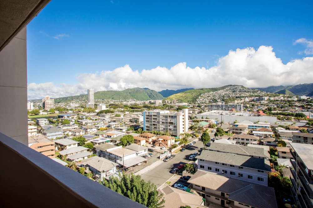 2916 Date Street Unit 11f Honolulu Hi 96816 Mls 202000724 Century 21 In 2020 Hawaii Real Estate Charter School Century 21 Real Estate