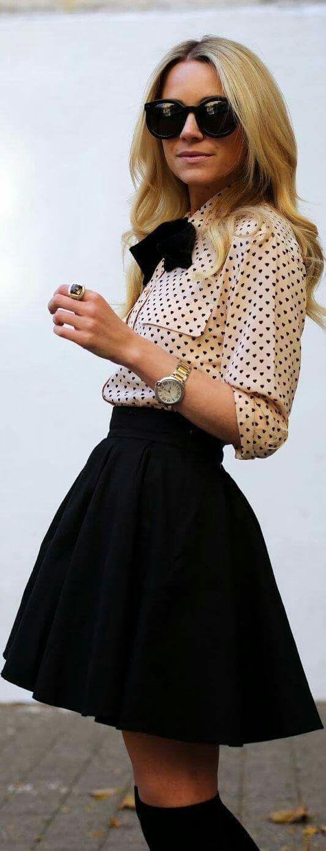 60a2ab590 Falda negra a la rodill con blusa rosa con puntos negros | Ropa ...