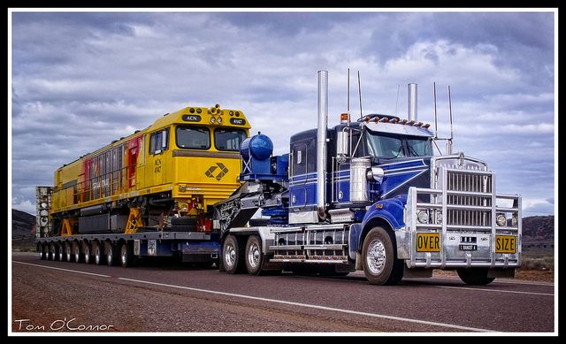 Heavy Haulage Australia by Tom O'Connor., via Flickr