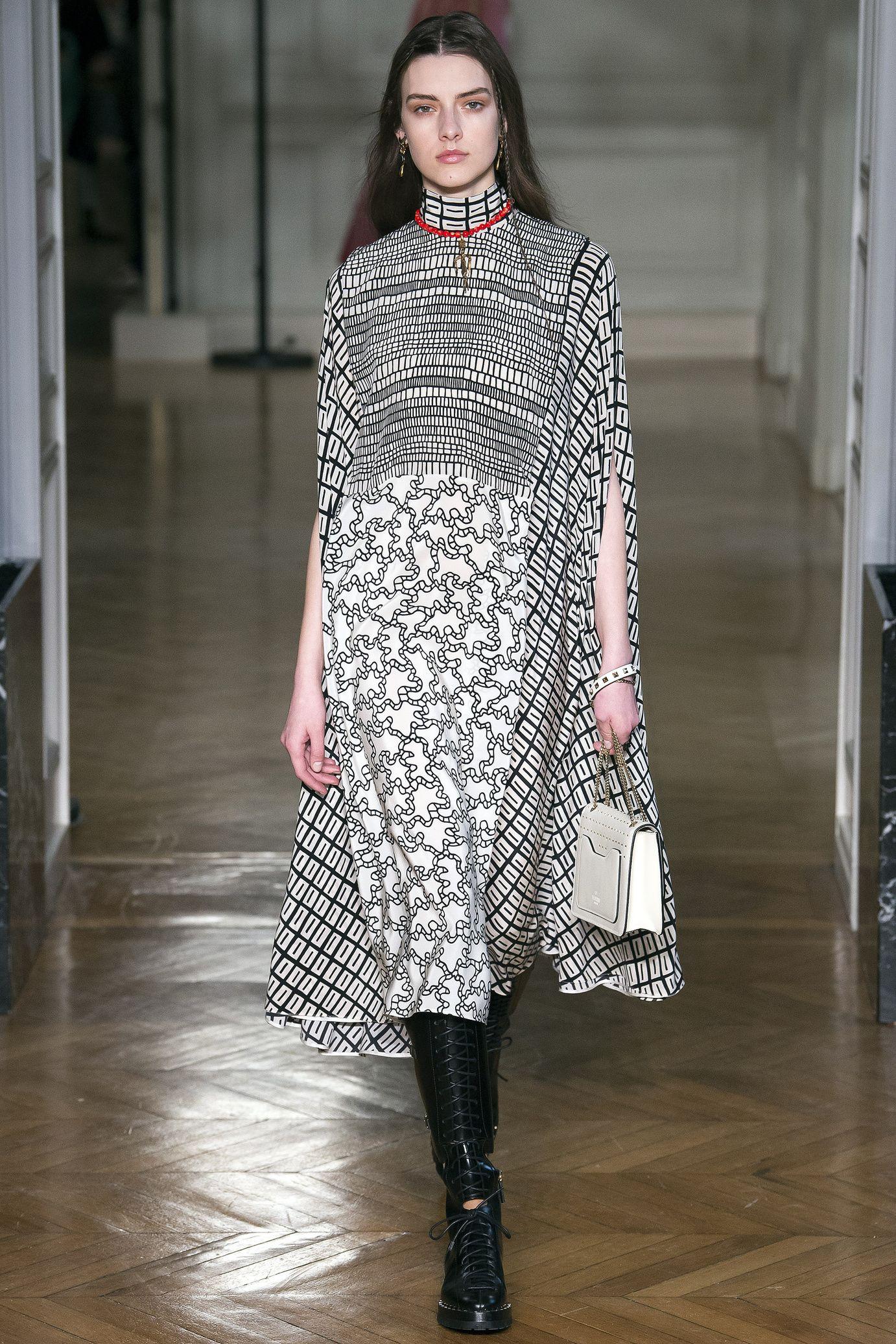 Favori Défilé Valentino: prêt-à-porter femme automne-hiver 2017-2018  YK12