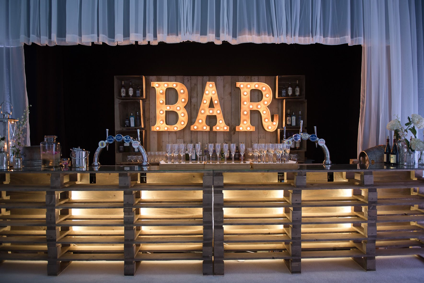 Mueble Bar Industrial Cool Light Up Letter Wooden Pallet Bar With Fairy Lights