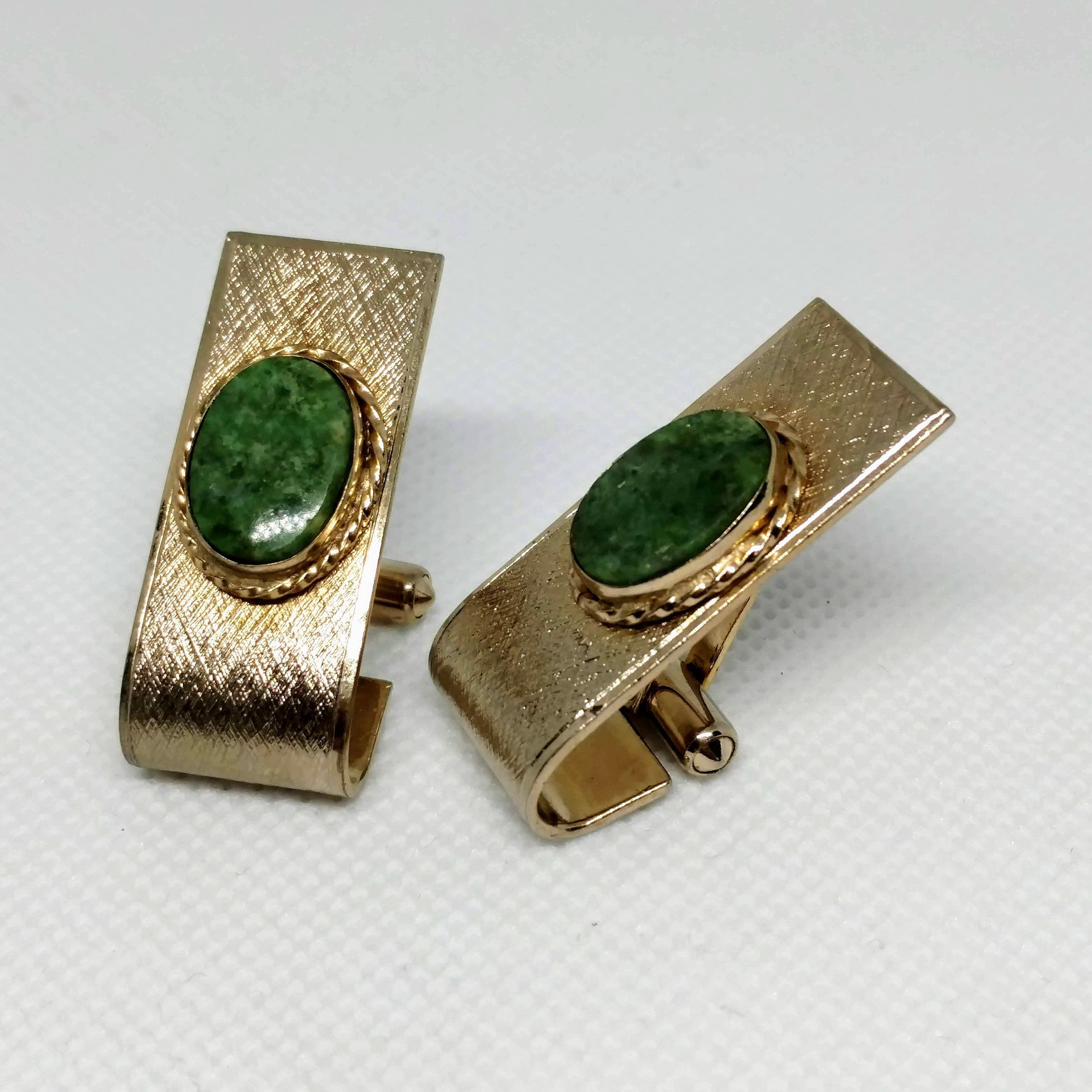 Select Gifts Cuff links Green crystal cufflinks~Emerald Crystal Green Silver-tone Cufflinks Hand Made Pouch