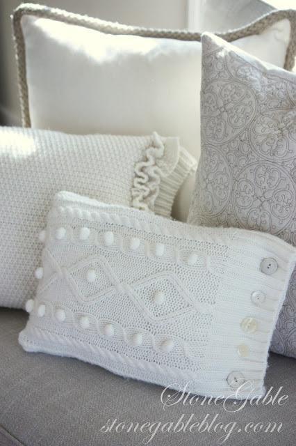 Tyynyjä vanhoista villapaidoista - näyttävät ihanan pehmeiltä!