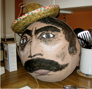 How to Make a Pinata for Cinco de Mayo - this one is awesome!