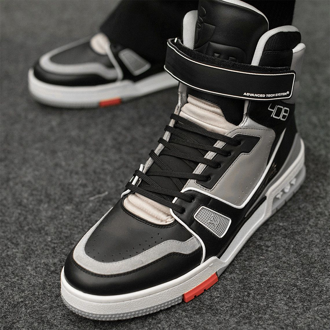 c33b618bdd96 Virgil Abloh s Louis Vuitton Sneaker Spotted All Over Paris Fashion Week