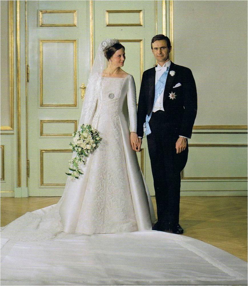 Queen Margrethe Of Denmark Royal Wedding Royal Brides Royal Wedding Gowns Royal Weddings [ 1002 x 869 Pixel ]