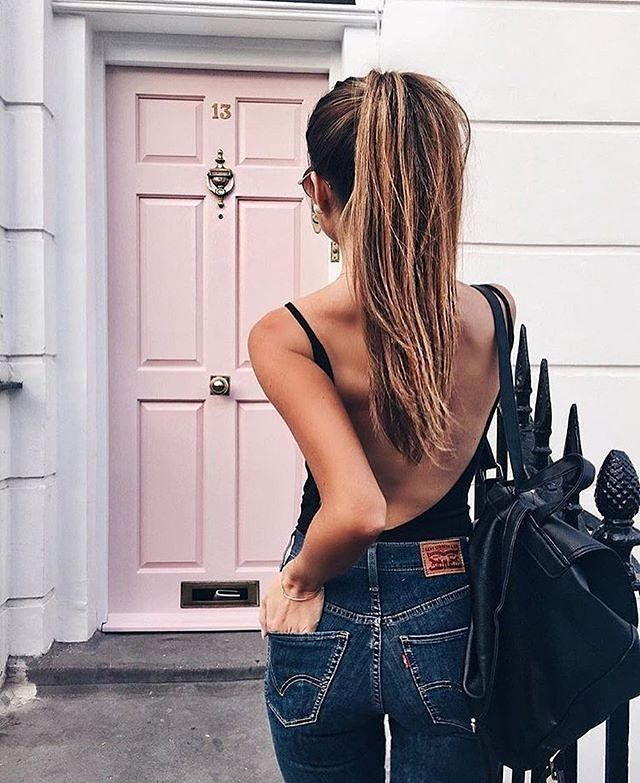 Loving the backless look at the moment! 🙌