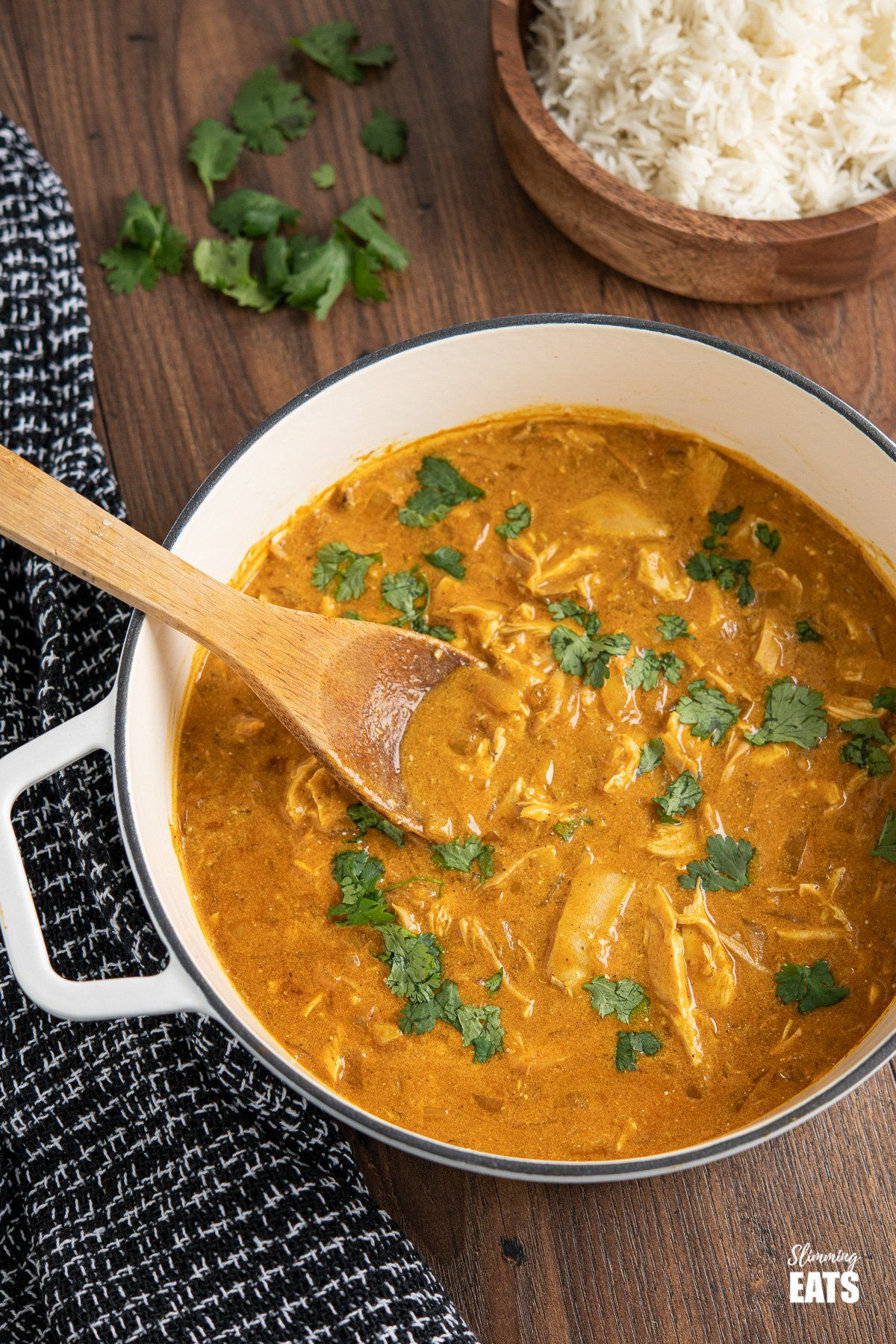 Quick Mild Chicken Curry From Www Slimmingeats Com A Delicately Flavoured Curry U In 2020 Slimming Eats King Pro Pressure Cooker Recipes Slow Cooker Slimming World