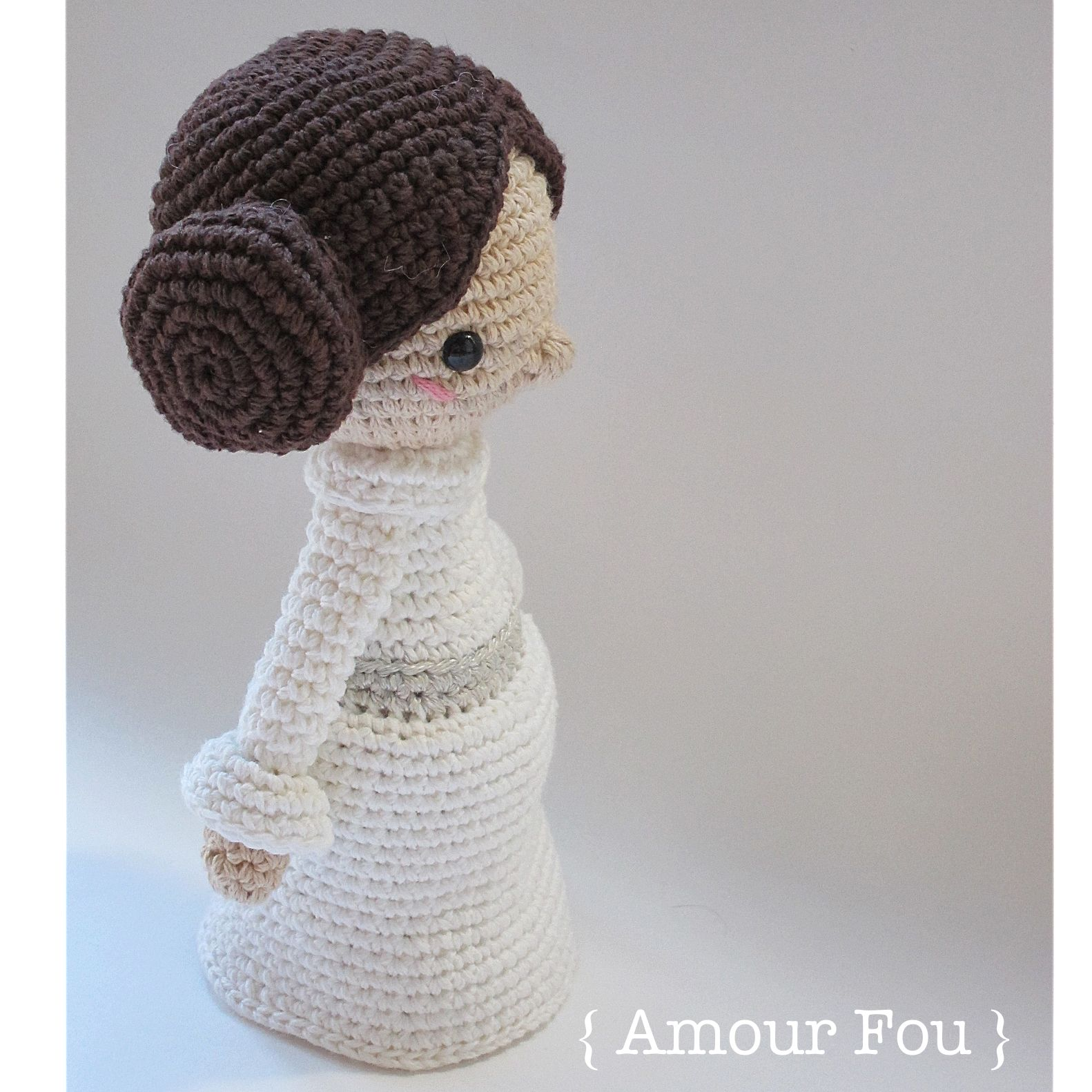 Mini Princess Leia - Crochet Pattern by {Amour Fou} | Princess leia ...