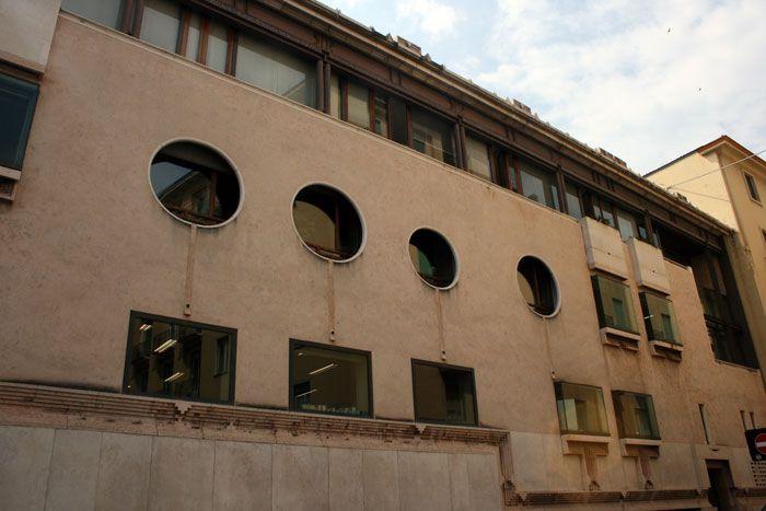 Carlo Scarpa. Banca Popolare di Verona   カルロスカルパ